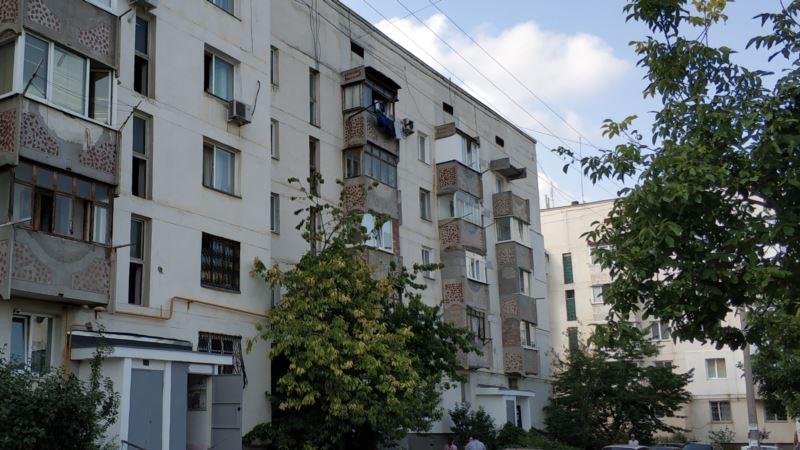 В Крыму с 1 октября запретят курить на балконах