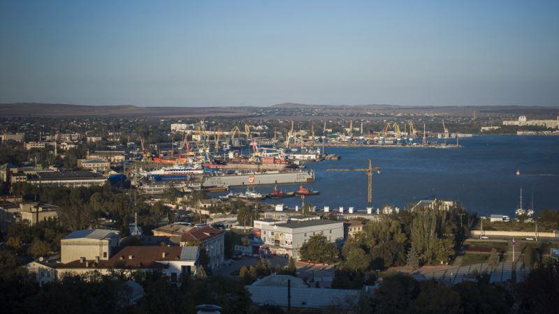 Власти Крыма хотят углубить дно канала Керченского торгового порта
