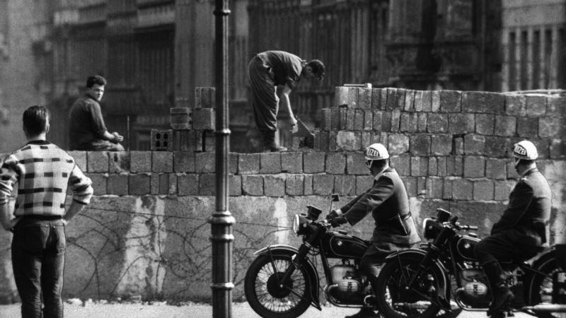 Падение Берлинской стены. 30 лет спустя (фотогалерея)