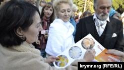 В Никитском ботсаду выбрали «королеву» бала хризантем (+фото)