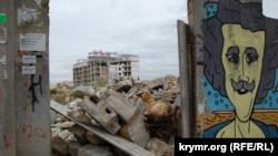 Севастополь: заседание суда по застройке бухты Омега перенесли из-за неразберихи в документах (+фото)