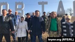 В Белогорске провели акцию против сноса букв «Парк львов «Тайган» (+фото)