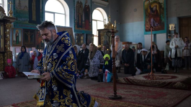 В Симферополе прихожане ПЦУ провели траурную панихиду по жертвам голодомора