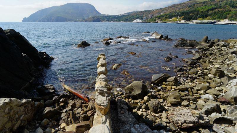 Поиски пропавшего в Алуште рыбака продолжаются  – спасатели