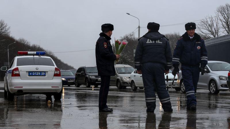 Россия: житель Бурятии за укус сотрудника ГИБДД получил срок в колонии строгого режима