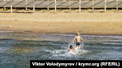 Штормовое предупреждение по Крыму сохраняется – синоптики