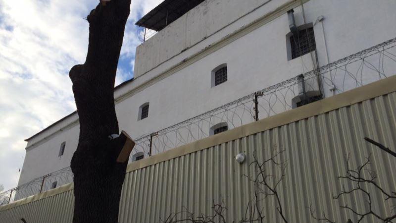 Фигуранту «дела Хизб ут-Тахрир» Гафарову в СИЗО Симферополя не передают необходимые лекарства – адвокат