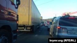 ДТП в Симферополе вызвало транспортный затор (+фото)