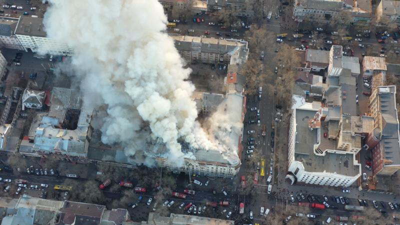 Пожар в одесском колледже: в городе простились с погибшим спасателем