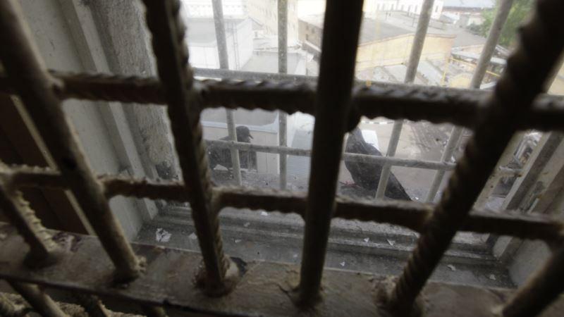 В России фигурантам крымского «дела Хизб ут-Тахрир» снова выдали еду со свининой