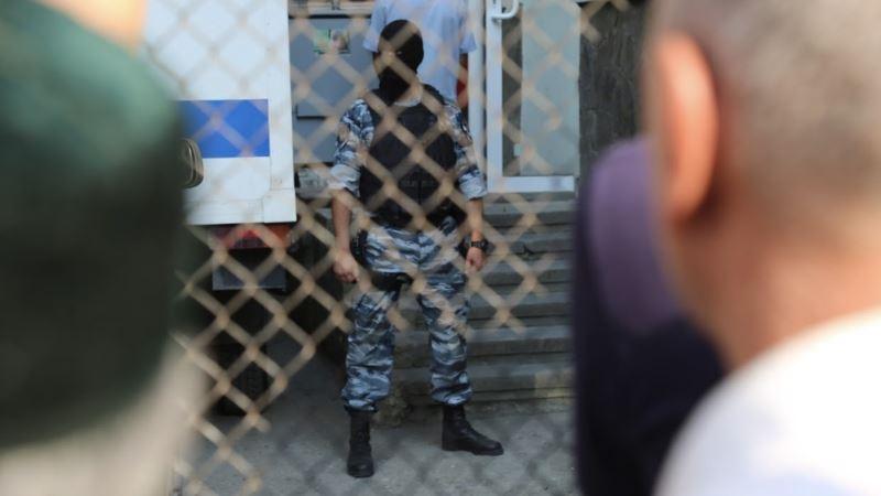 Российские полицейские остановили группу крымских татар на Керченском мосту – «Крымская солидарность»