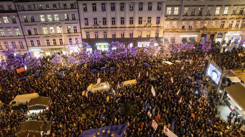 В Праге тысячи чехов потребовали отставки премьера Бабиша