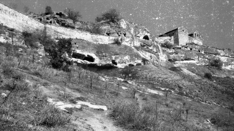 Крым на фотопленке: Чуфут-Кале во времена СССР (фотогалерея)