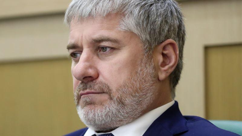 «За активное законотворчество». Путин наградил сенатора, который за 5 лет не внес ни одного законопроекта