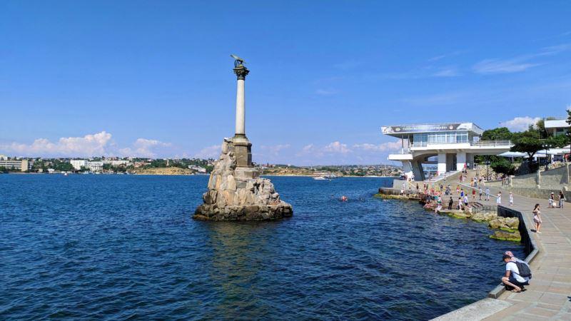 Власти Севастополя хотят построить парк имени Лужкова
