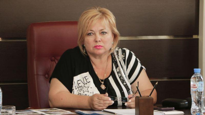 Керчь: депутаты отправили в отставку главу горсовета и ее заместителя