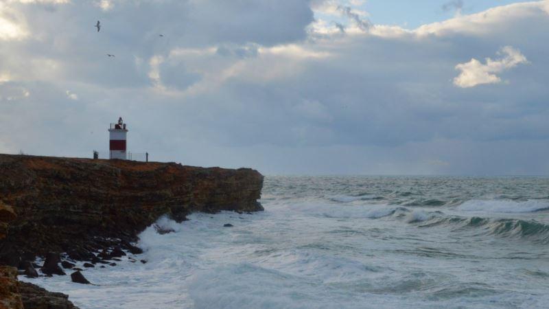 В Крыму предупреждают о дожде и штормовом ветре