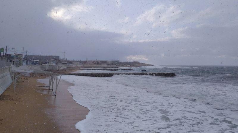 В Крыму предупреждают о сильном дожде и ветре