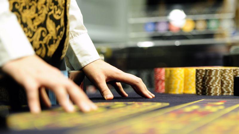 Санкт-Петербург: в квартире депутата от «Единой России» нашли казино