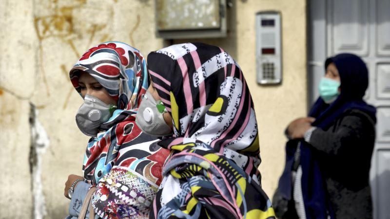 Иран: 12 человек умерли от коронавируса, более 60 заразились