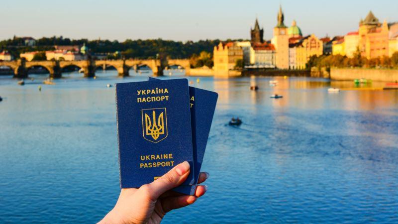 В Крыму у 130 тысяч человек есть украинские биометрические паспорта