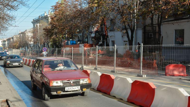 Власти Севастополя за год планируют отремонтировать почти сотню дорог за 850 млн рублей