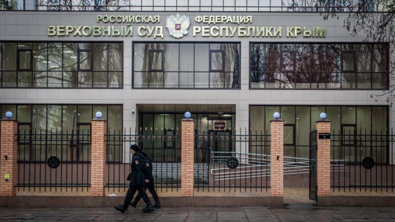 В Крыму суд оставил под арестом обвиняемого в участии в «нацбатальоне»