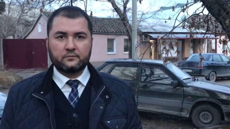 Обыски у крымских татар в Бахчисарае: на место прибыл адвокат, его не пропускает ОМОН