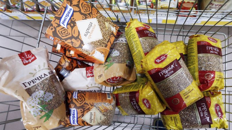 Севастопольцы жалуются на завышенные цены на гречку