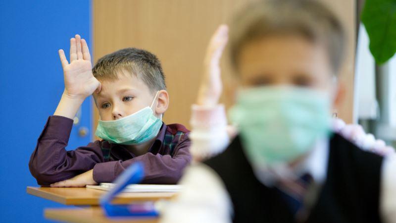 ВМоскве ввели свободное посещение школ из-за коронавируса