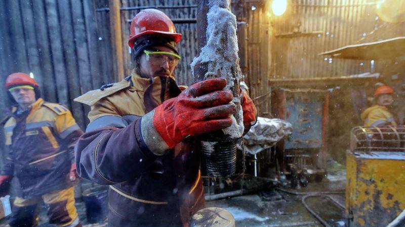 Соглашение ОПЕК+ не оправдало надежд, цена на нефть резко упала