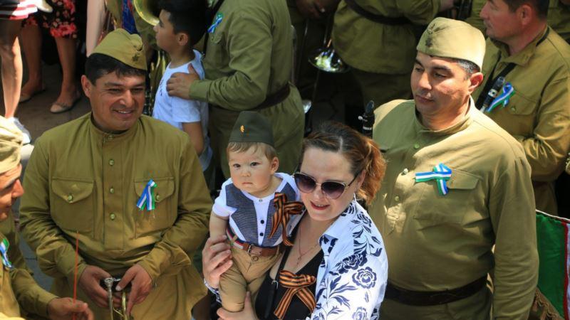 Власти Узбекистана решили выплатить ветеранам к 9 мая по тысяче долларов