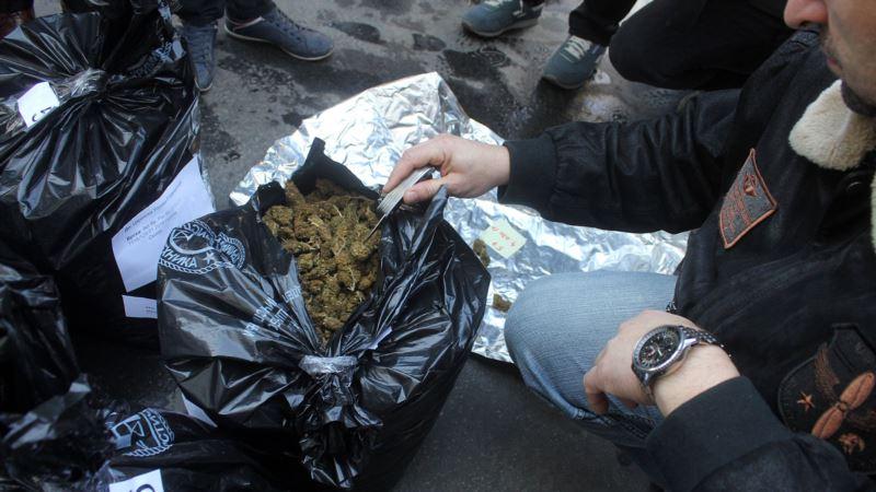 Пенсионерке из Ялты грозит до трех лет ареста за марихуану – российская полиция