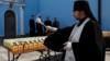 В Симферополе святят куличи под присмотром полиции и дружинников