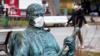 В Перу из-за коронавируса мужчинам и женщинам предписали выходить на улицу в разные дни