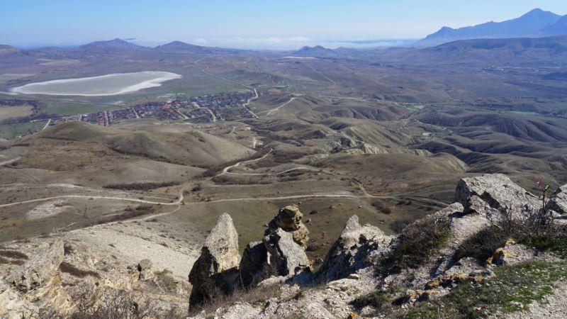 Двое туристов не могли спуститься с горы «Лысая» в Феодосии – спасатели