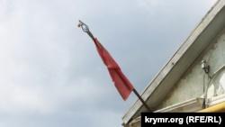 В Симферополе 9 мая выставили в окна домов портреты участников войны (+ фото)