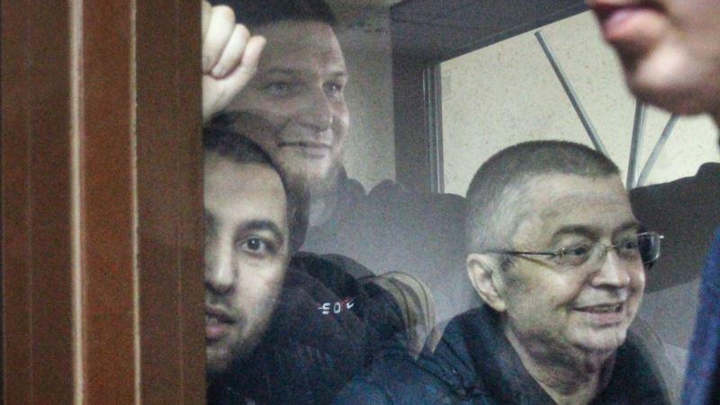 Девять фигурантов второго симферопольского «дела Хизб ут-Тахрир» оставили в СИЗО