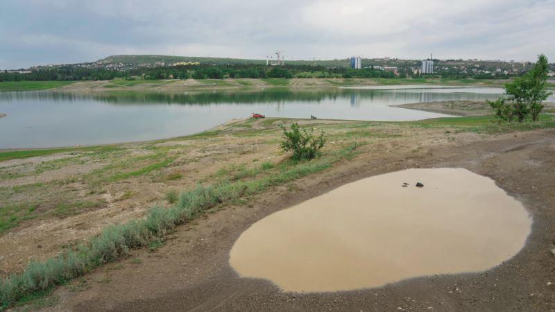Спасение с небес. Симферопольское водохранилище пополняется дождевыми стоками (фотогалерея)