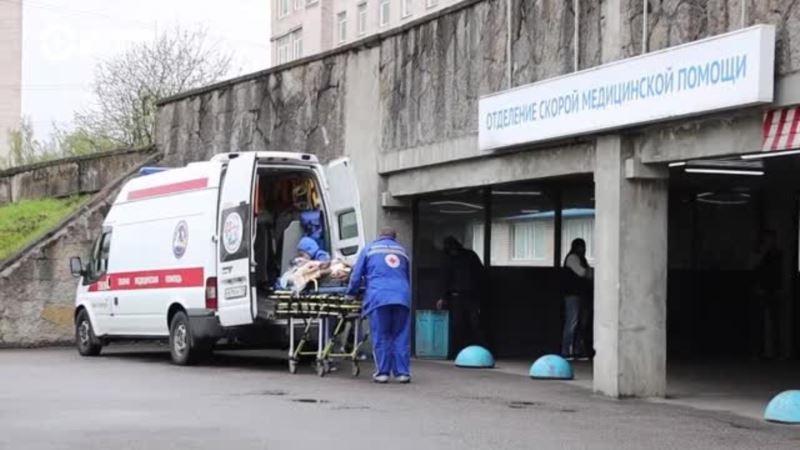 Россия: власти Петербурга заявили о нехватке коек для пациентов с COVID-19