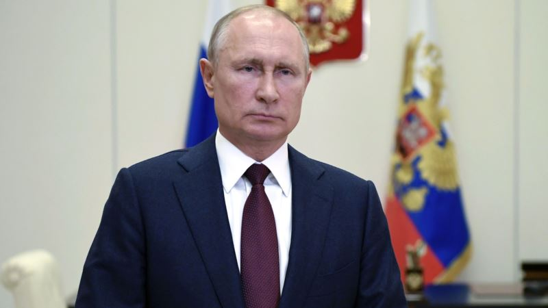 Путин поручил создать российскую базу генетической информации