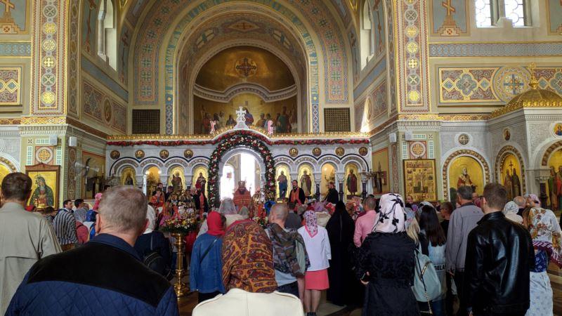 Жителей Крыма призывают соблюдать безопасность во время празднования Троицы