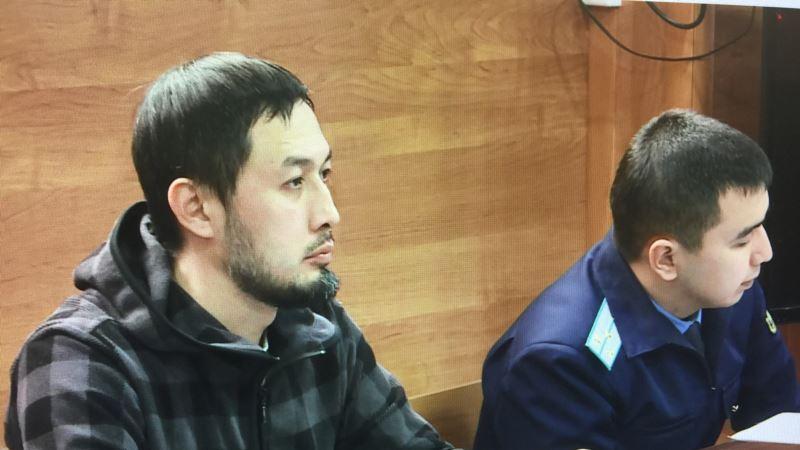 Казахстан: активиста приговорили к трем годам ограничения свободы за посты о Назарбаеве и правящей партии