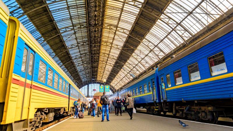 «Укрзалізниця» возобновила движение поездов в Херсон и Новоалексеевку