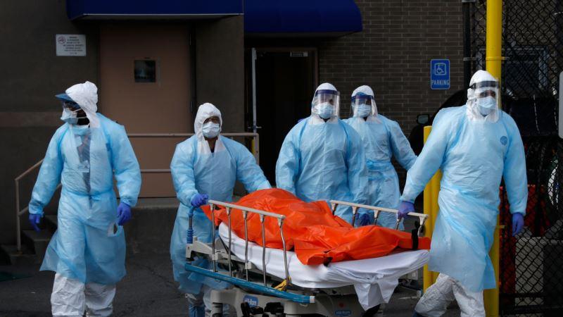 В США медики потребовали восстановить строгий карантин