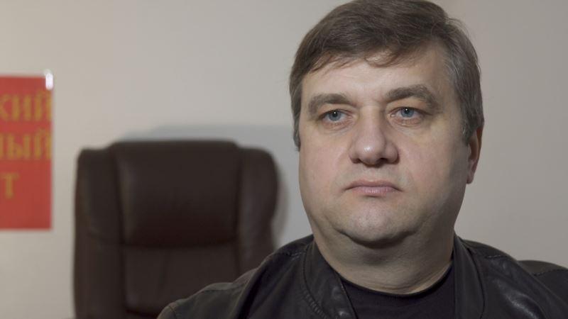 Симферополь: активист Акимов сообщает о проведении у него обысков
