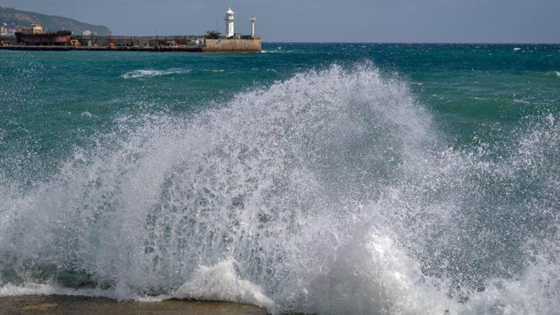 Северный ветер принесет в Крым прохладу на выходных – синоптик