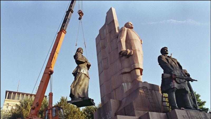 Опрос: 32% украинцев считают, что распад Советского Союза – это плохо