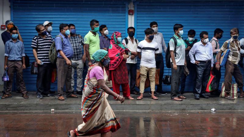 В Индии рекордное за сутки число новых заражений коронавирусом
