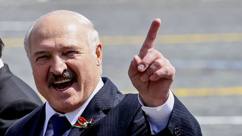 Лукашенко заявил, что Россия пыталась скрыть отправку задержанных россиян в Беларусь